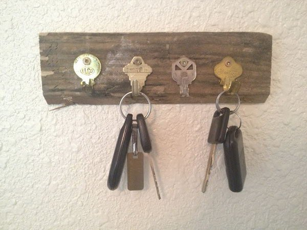 Key holder ideas from old bent keys