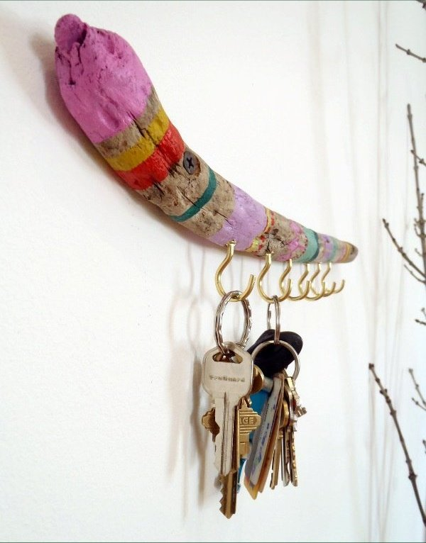 Key holder ideas with painted wood stick